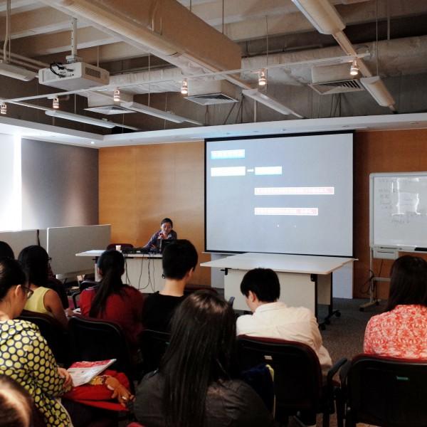 廣州藝術家吳超分享藝術經驗、啟發學生創作。